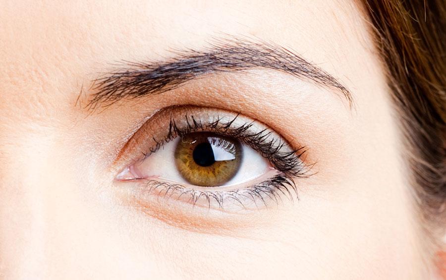 Aparición de  arrugas en los ojos